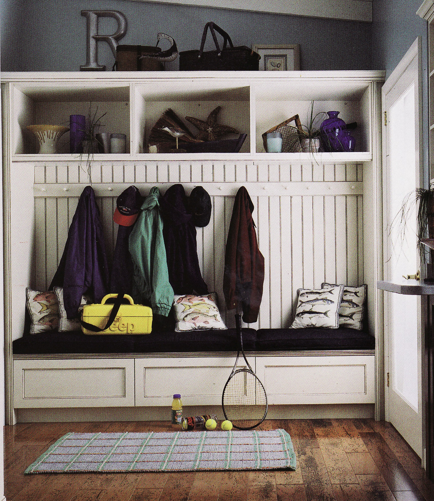Image of: design a mudroom