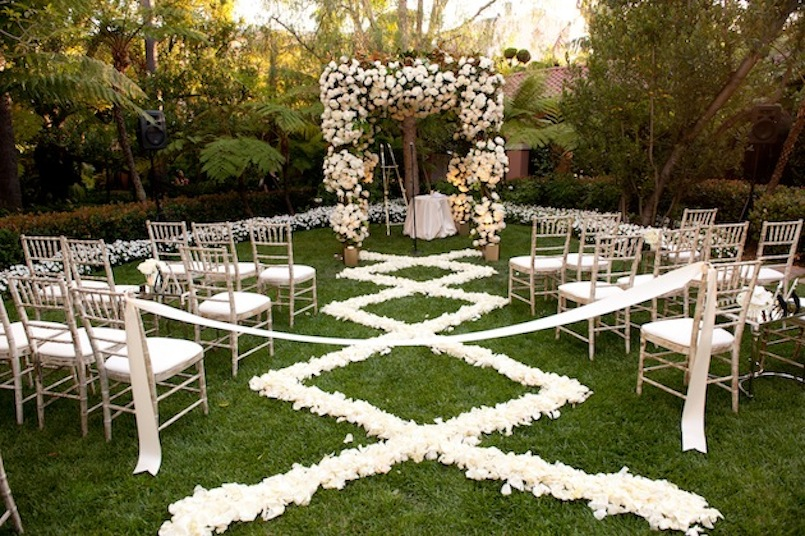 Image of: diy outdoor wedding aisle decorations