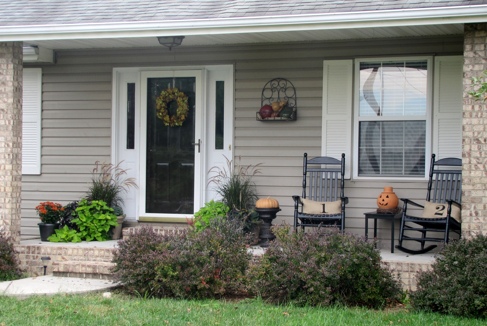 Image of: front porch decorating ideas