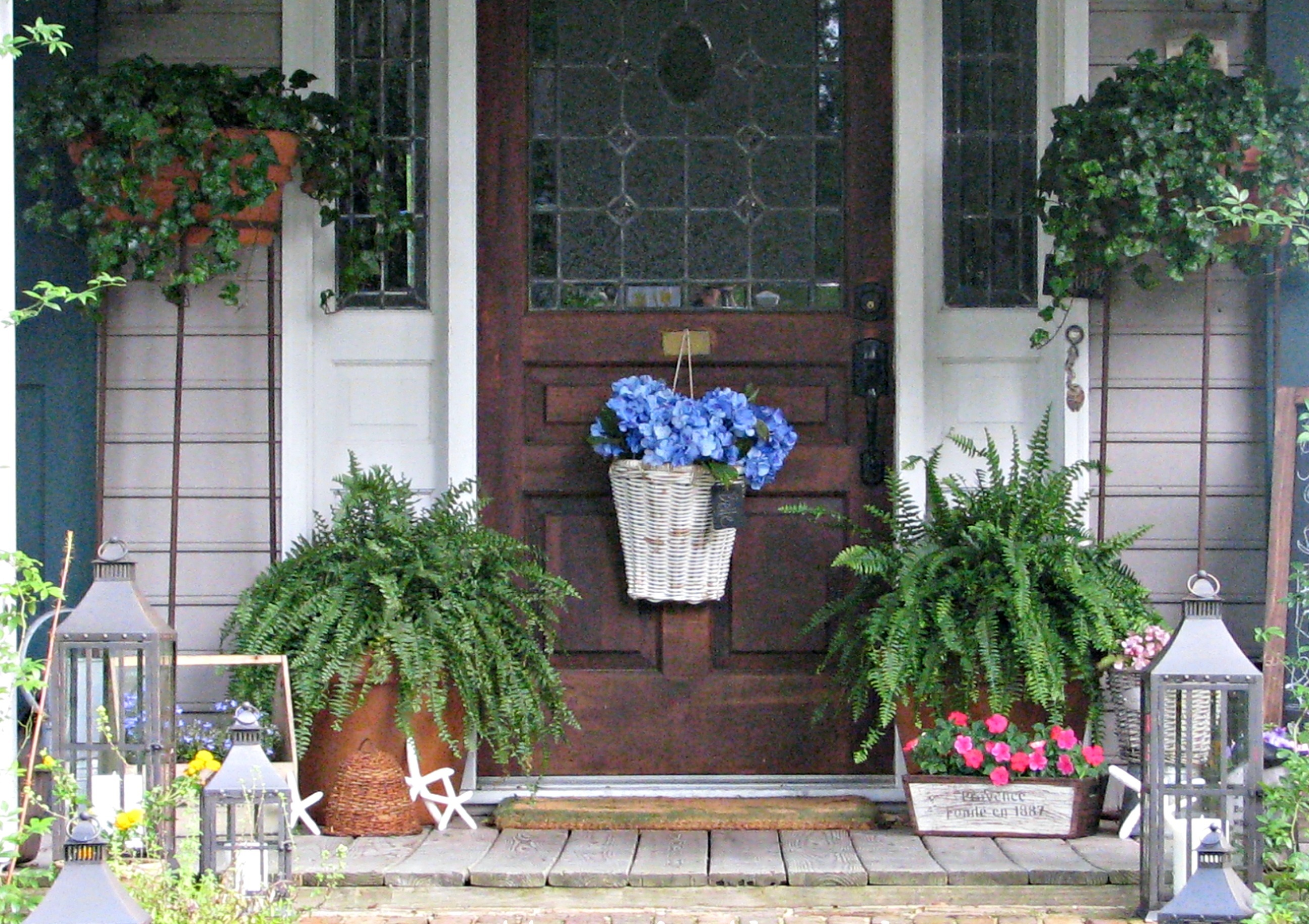 Image of: front porch decorations