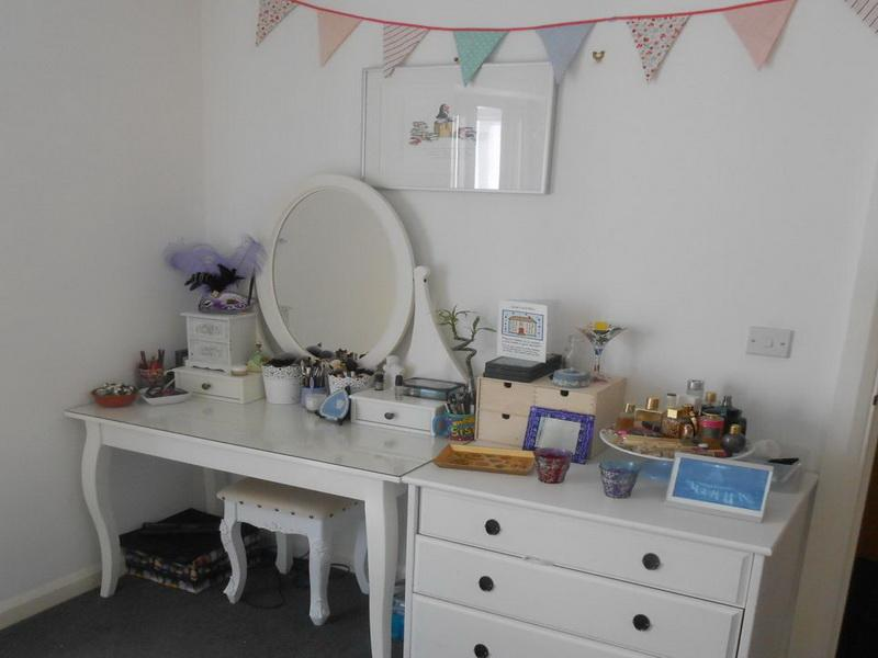 Image of: ikea dressing table accessories