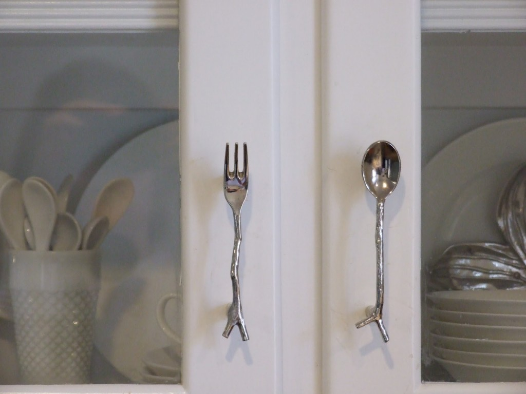 Image of: kitchen cabinet pulls and knobs ideas