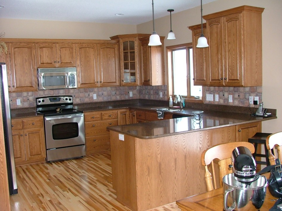 Image of: kitchen tile backsplash ideas with oak cabinets