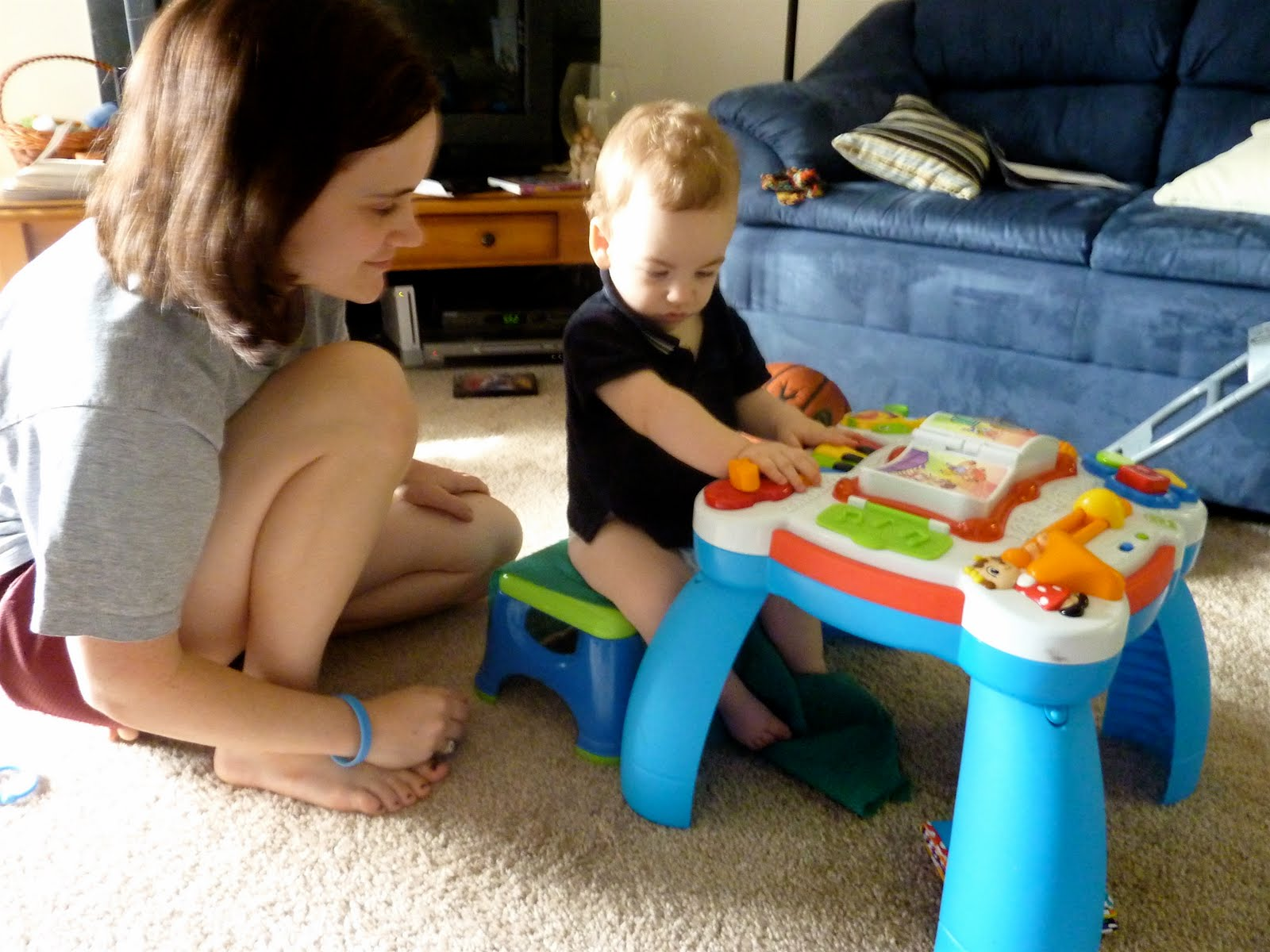 Image of: leapfrog learn and groove activity table