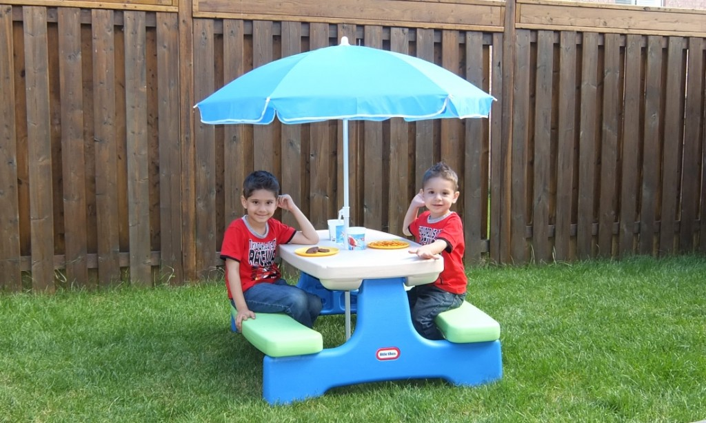 Image of: little tikes picnic table