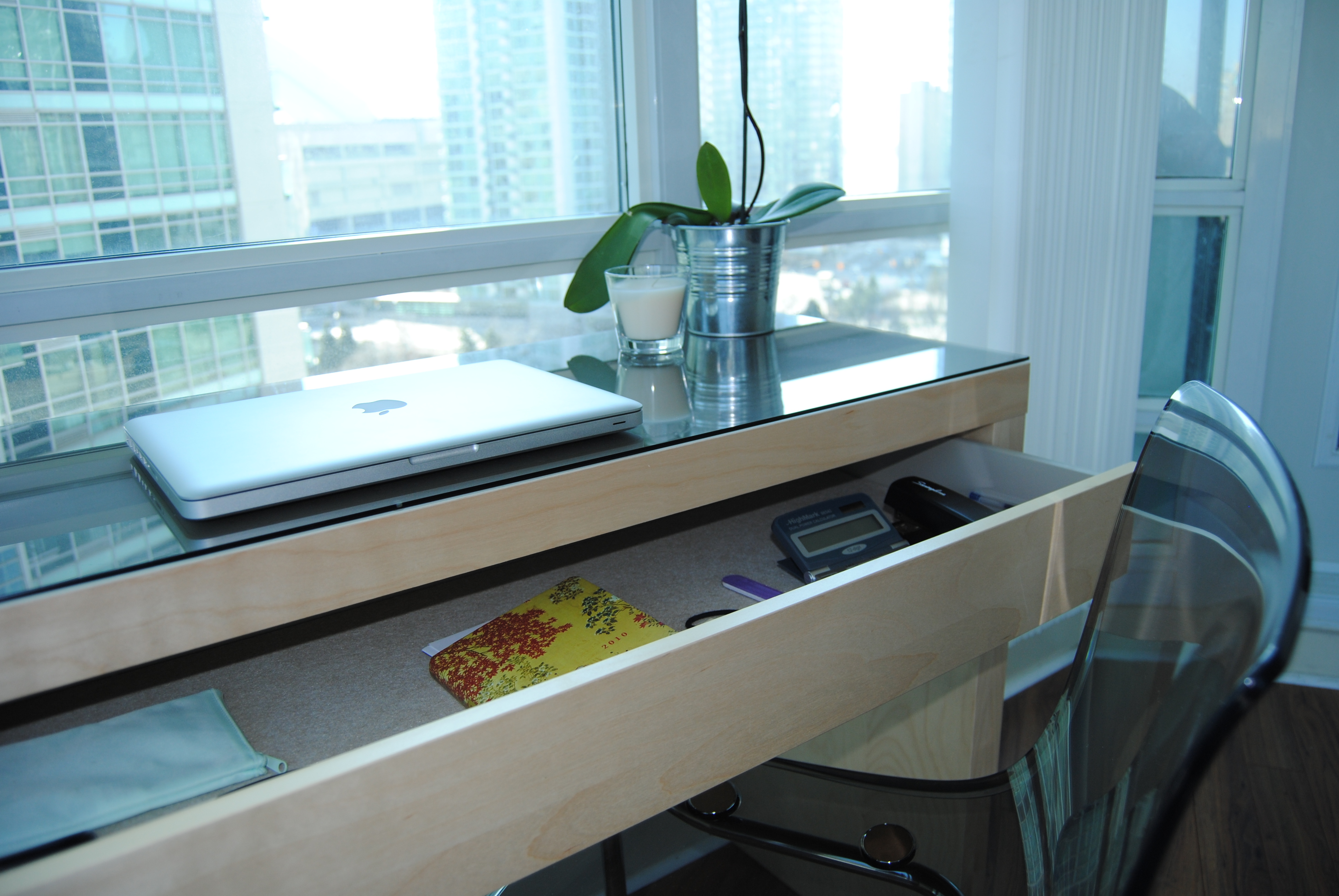 Image of: malm dressing table as desk
