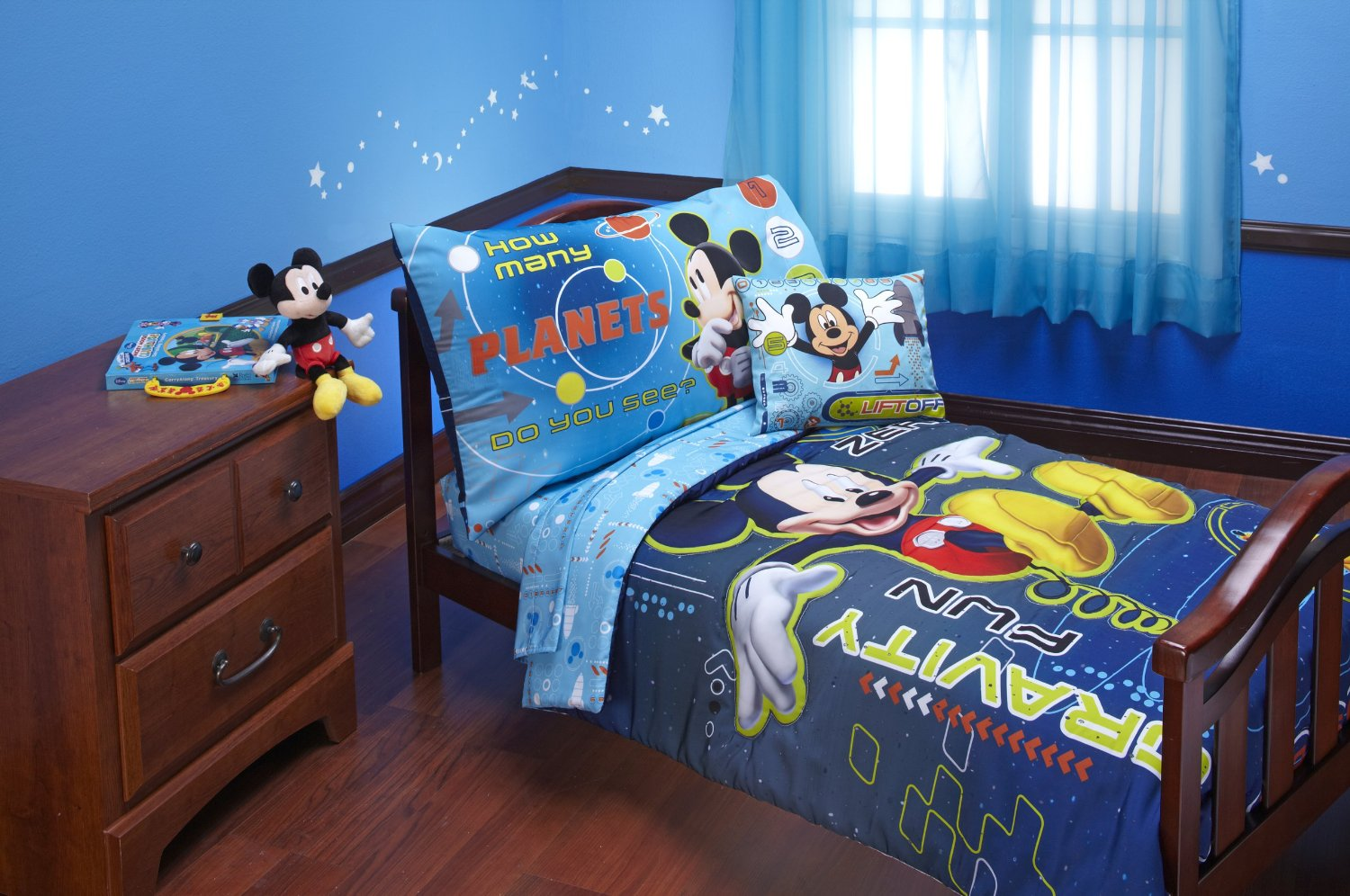 Image of: mickey mouse bedroom decor ideas