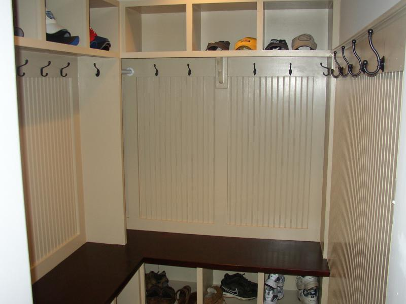 Image of: mudroom cubby design