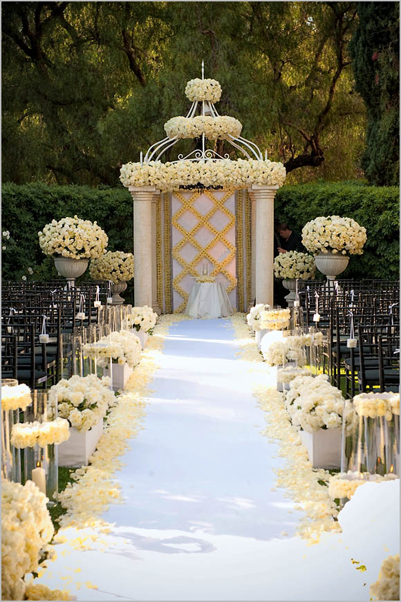 Image of: outdoor wedding aisle decorations