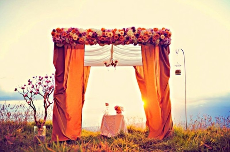 Image of: outdoor wedding altar decorations
