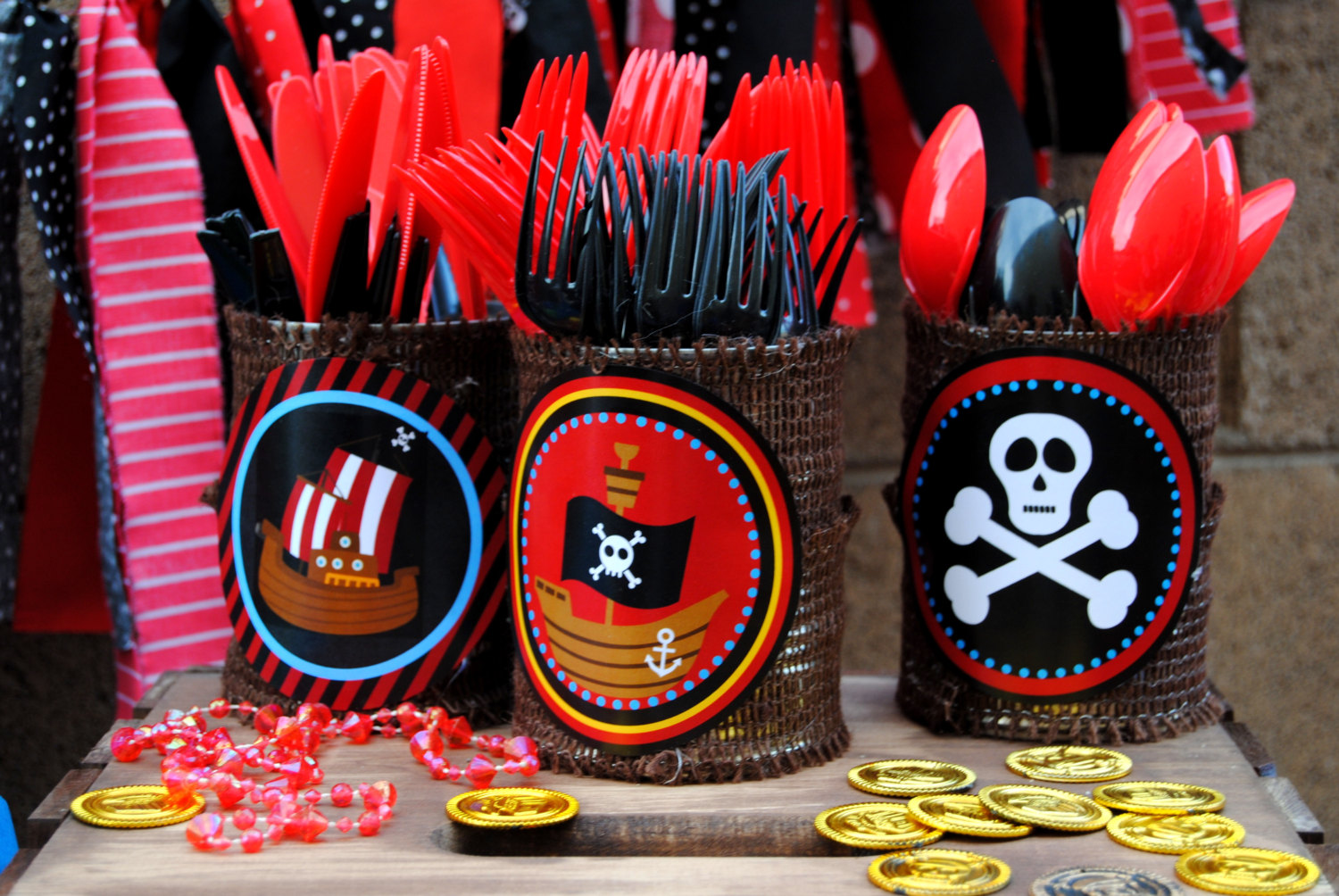 Image of: pirate party decorations