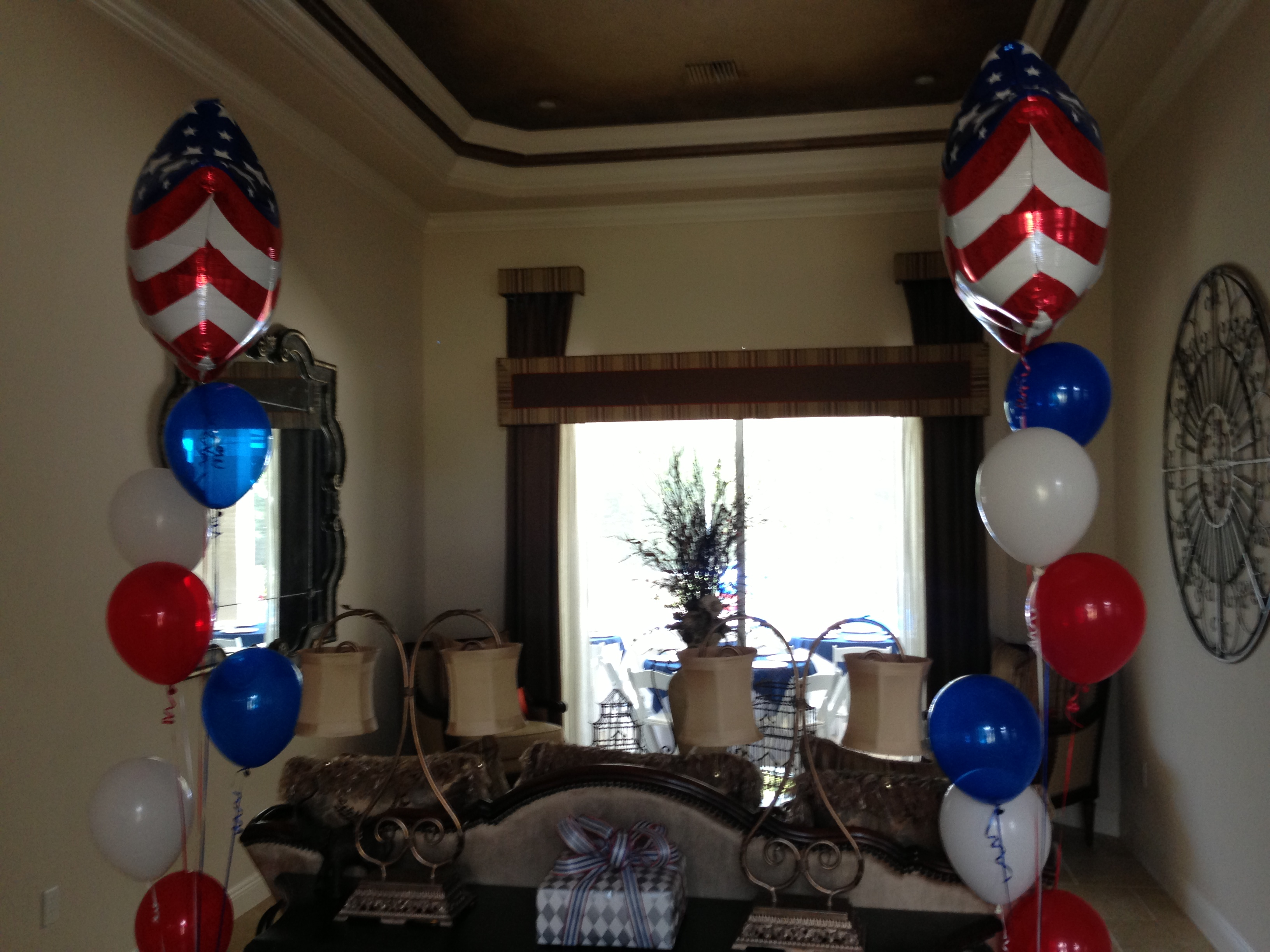 Image of: retirement party decor