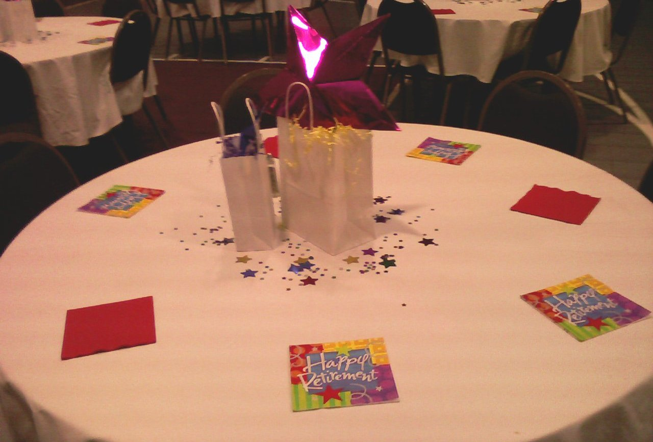 Image of: retirement party table decorations