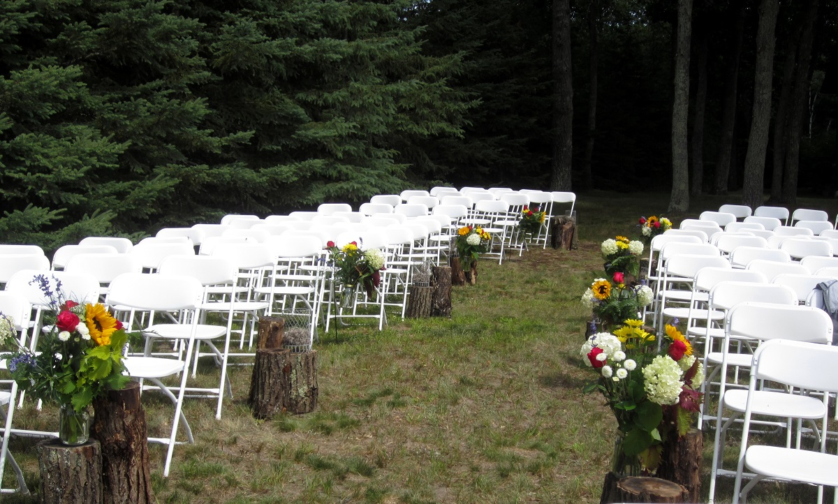Image of: rustic outdoor wedding aisle decorations