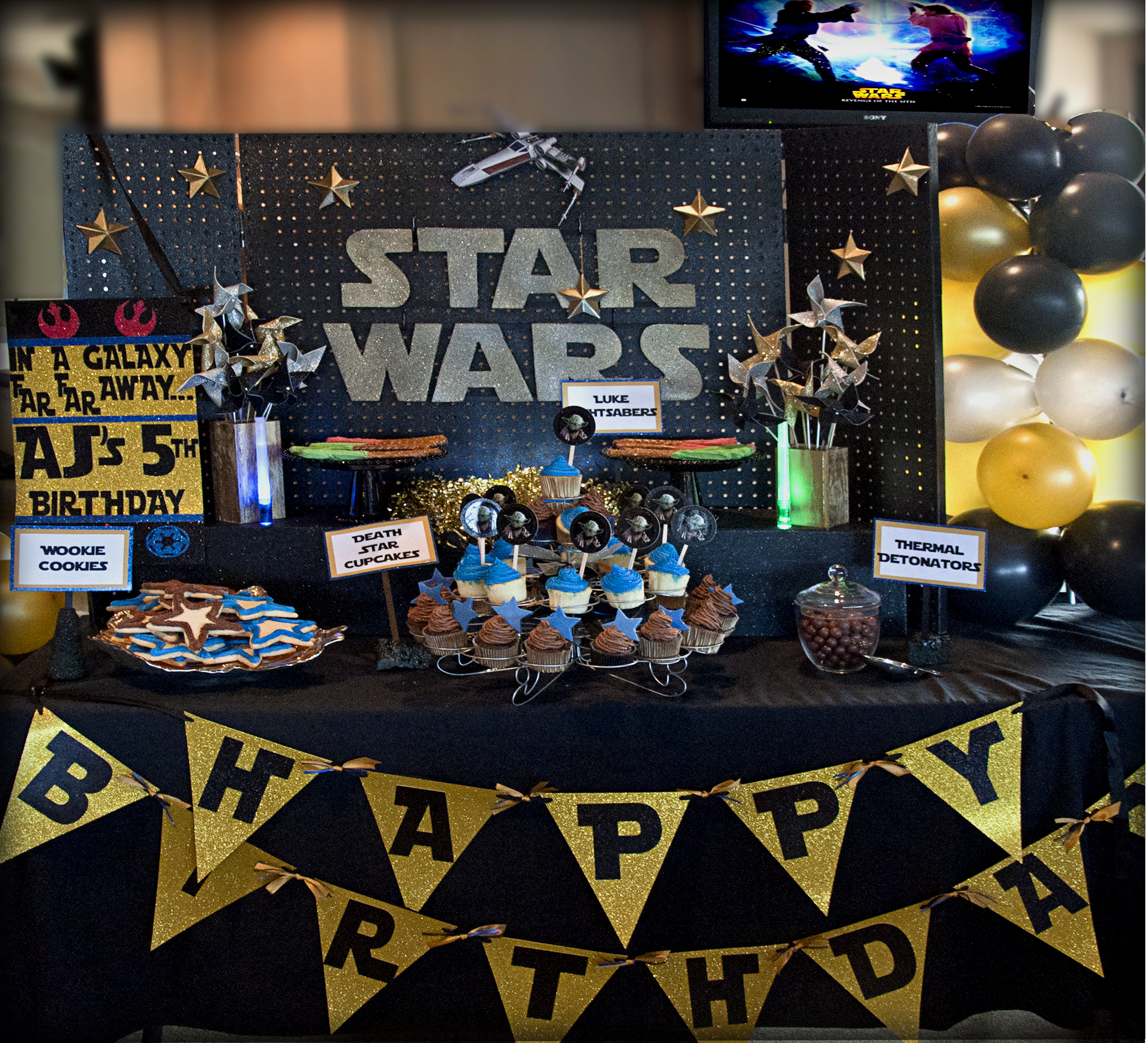 Image of: star wars party decorations