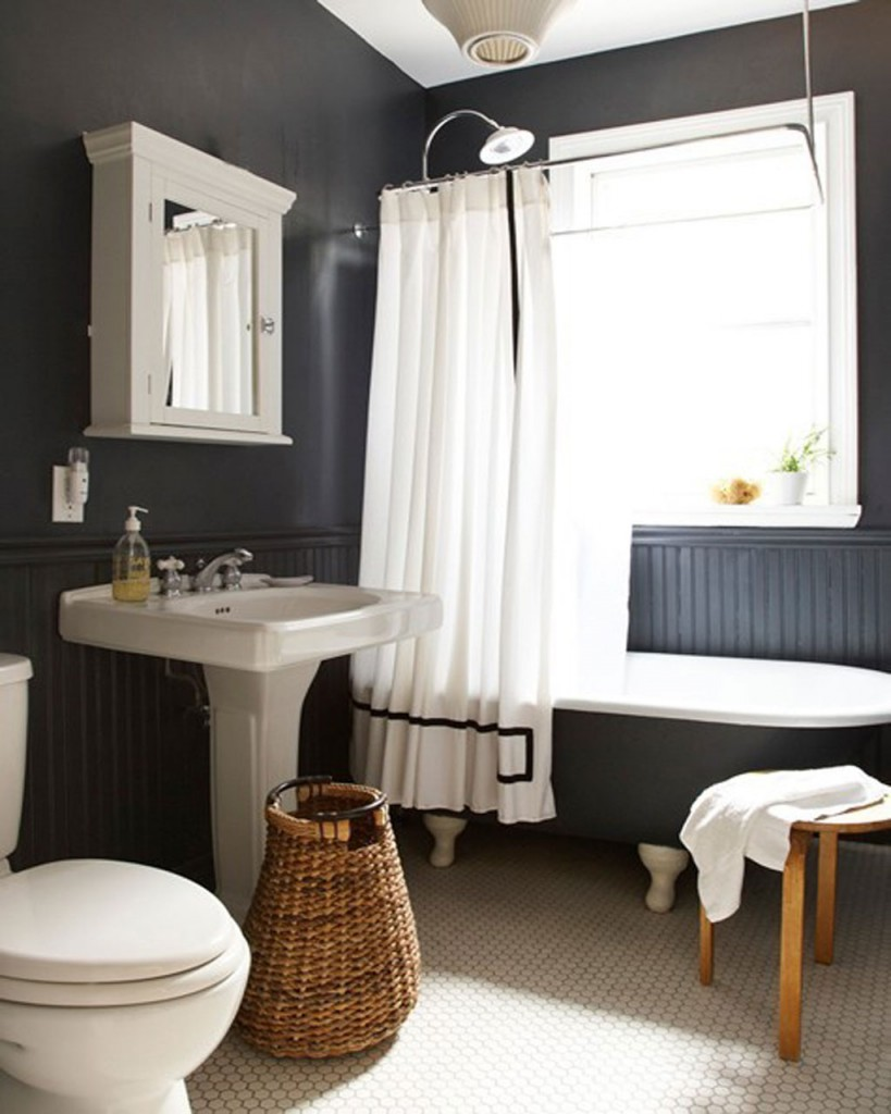 Image of: traditional black and white bathroom designs