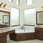 traditional master bathroom designs