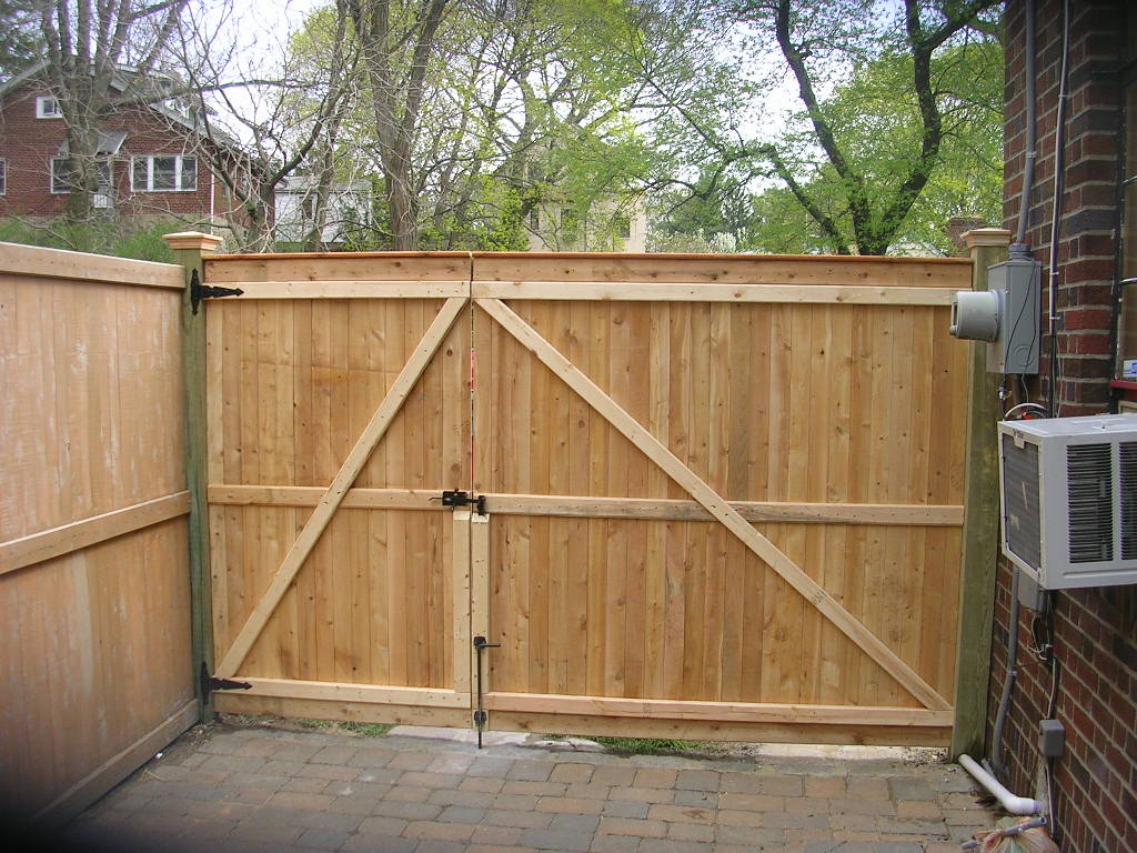 Image of: wooden fence gate designs