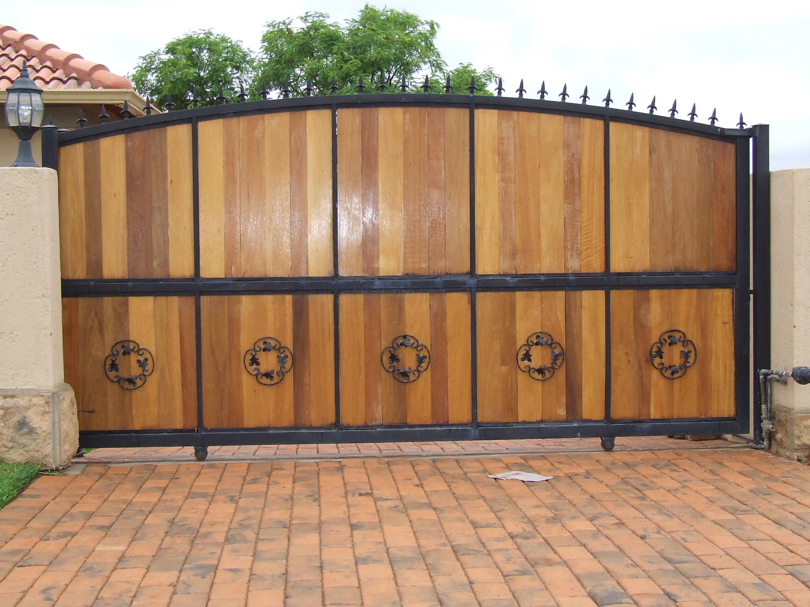 Image of: wooden gate design