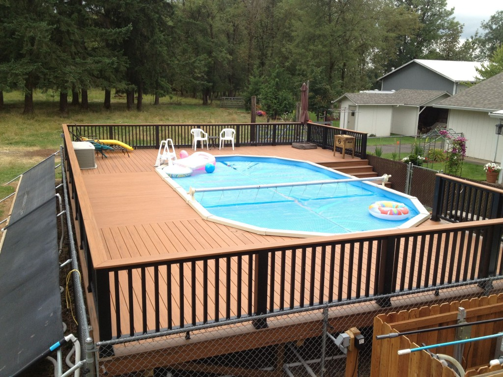 Image of: backyard deck and pool designs