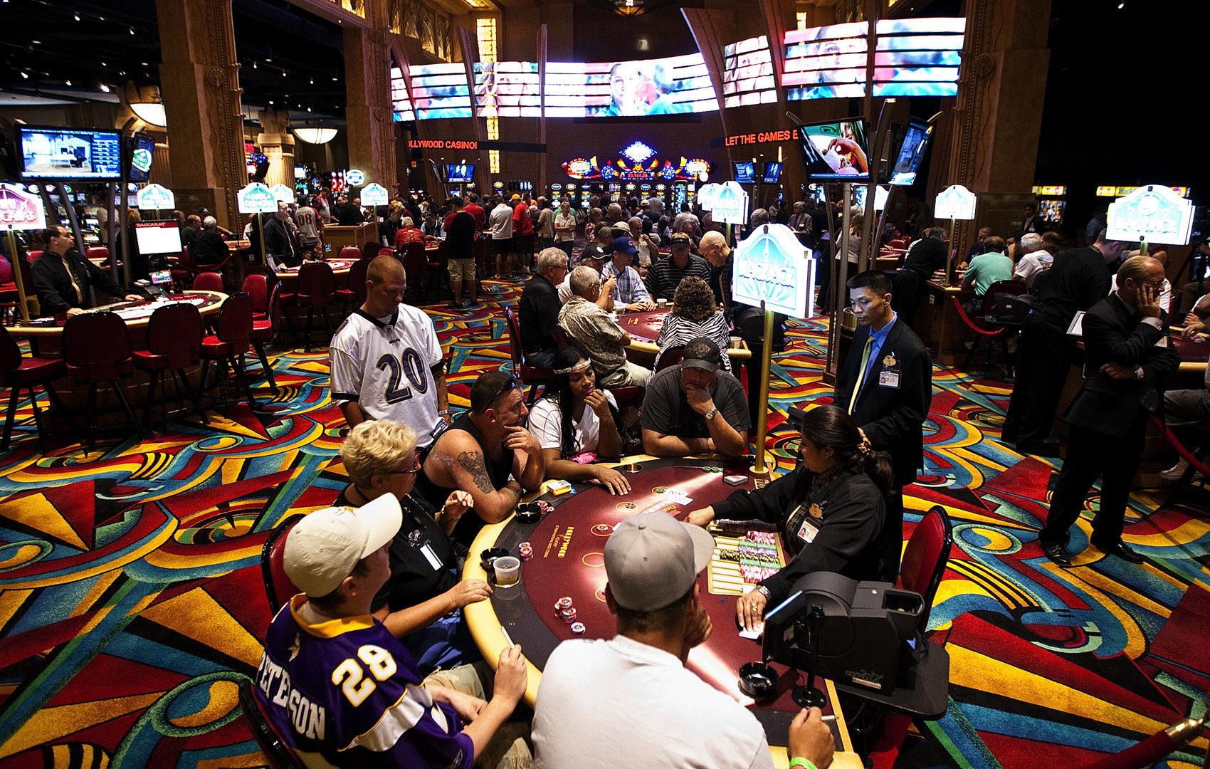 Image of: blackjack table felt
