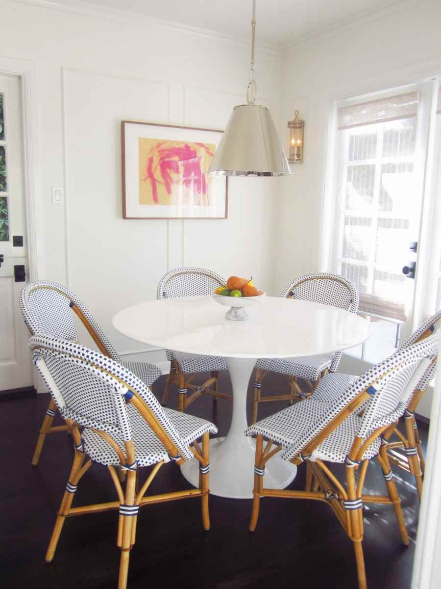 Image of: breakfast nook round table