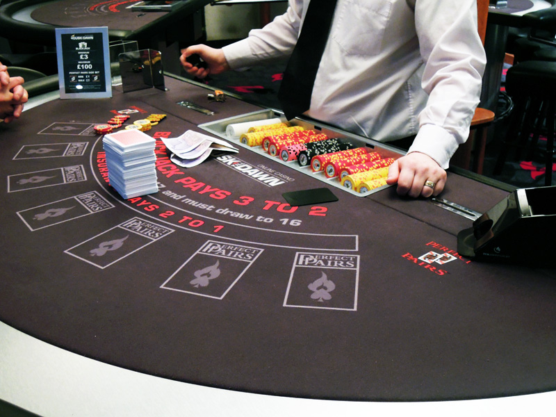Image of: casino blackjack table