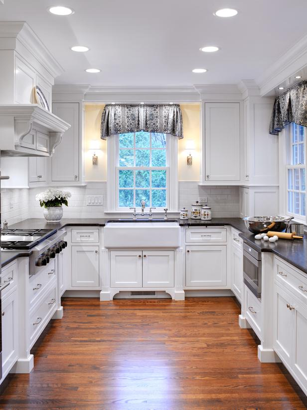 Image of: cottage kitchens white