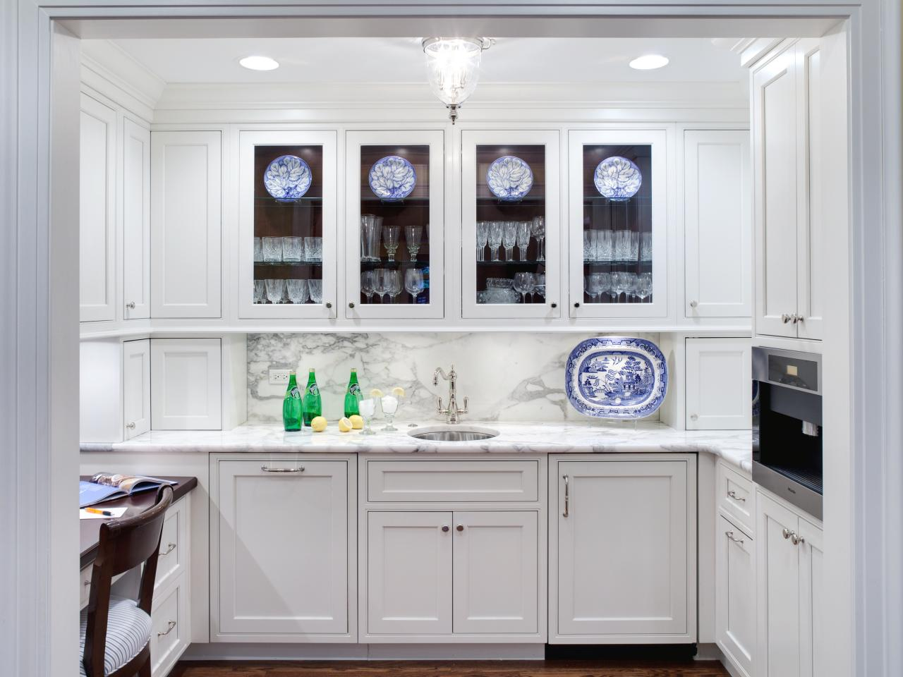 Image of: cottage kitchens with white cabinets