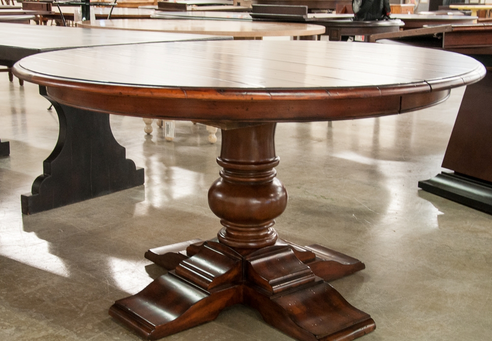 Image of: round pedestal dining table