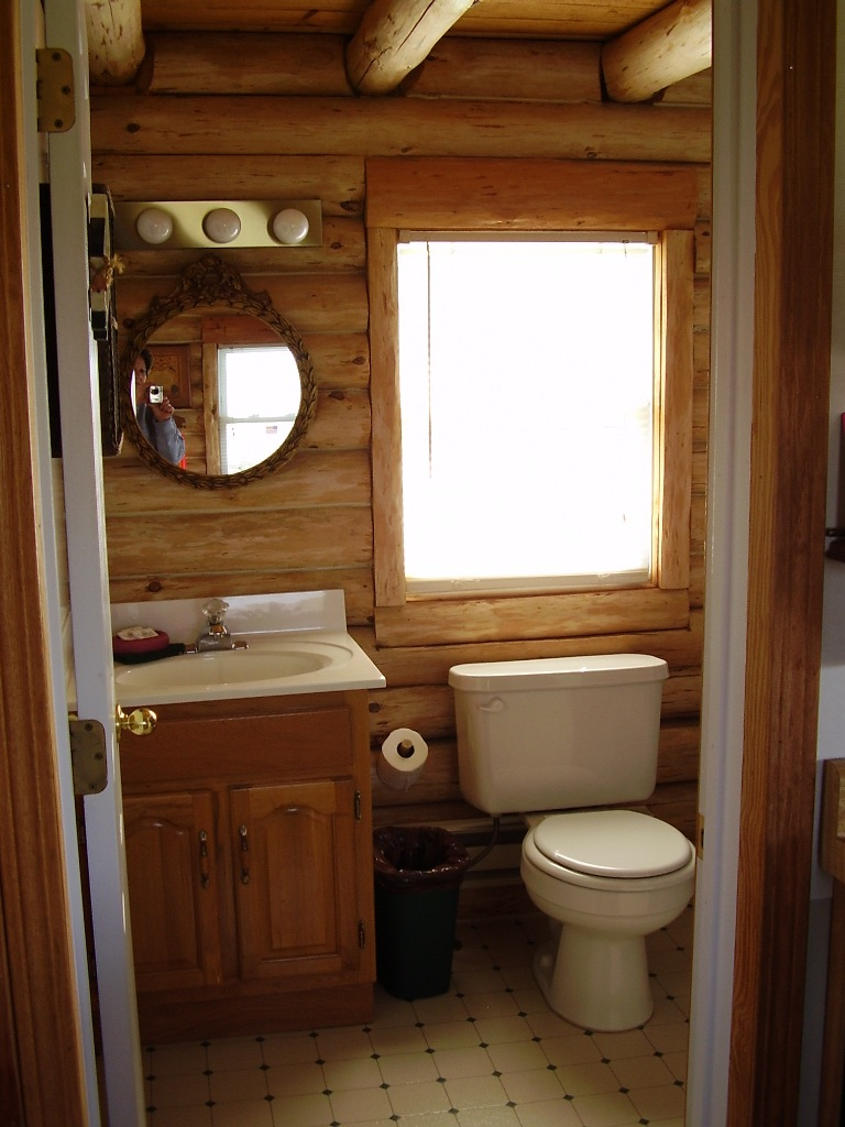 Image of: small cabin bathroom ideas