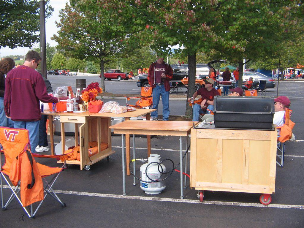Image of: Best Tailgate Table