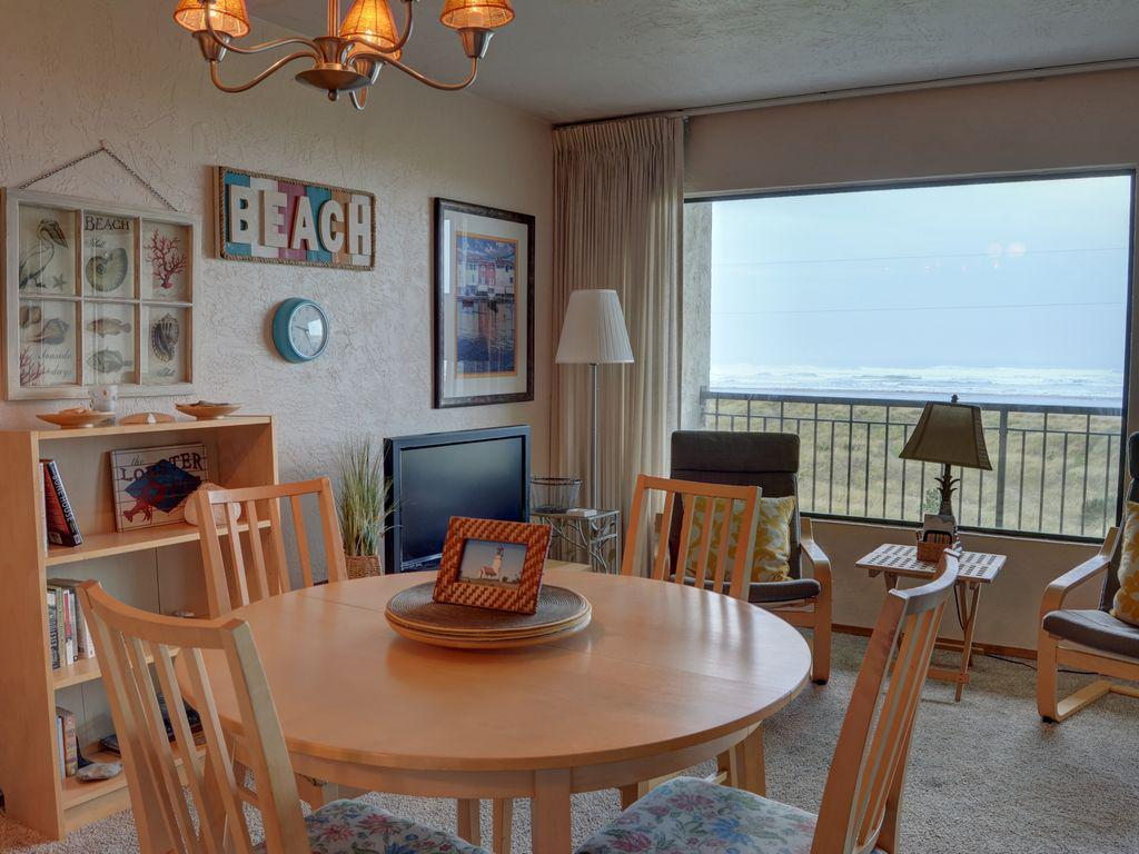 Image of: Cannon Beach Tide Table Designs