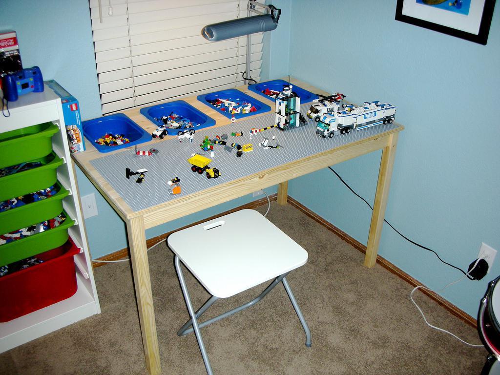 Image of: Diy Lego Table Design
