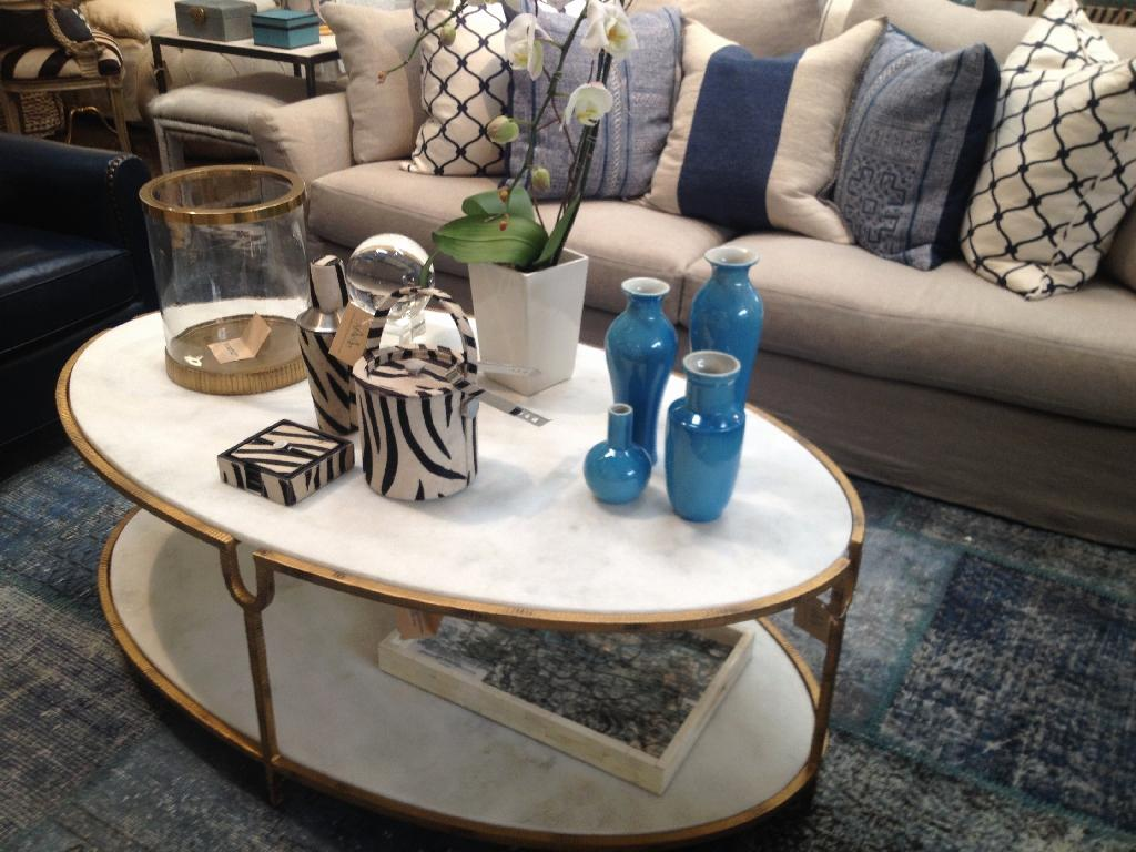 Image of: Elegant Coffee Table Designs