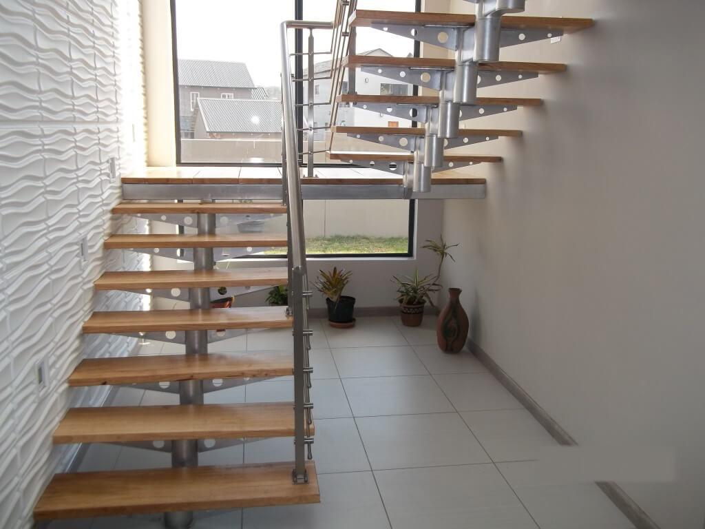 Image of: Stair Design Diy