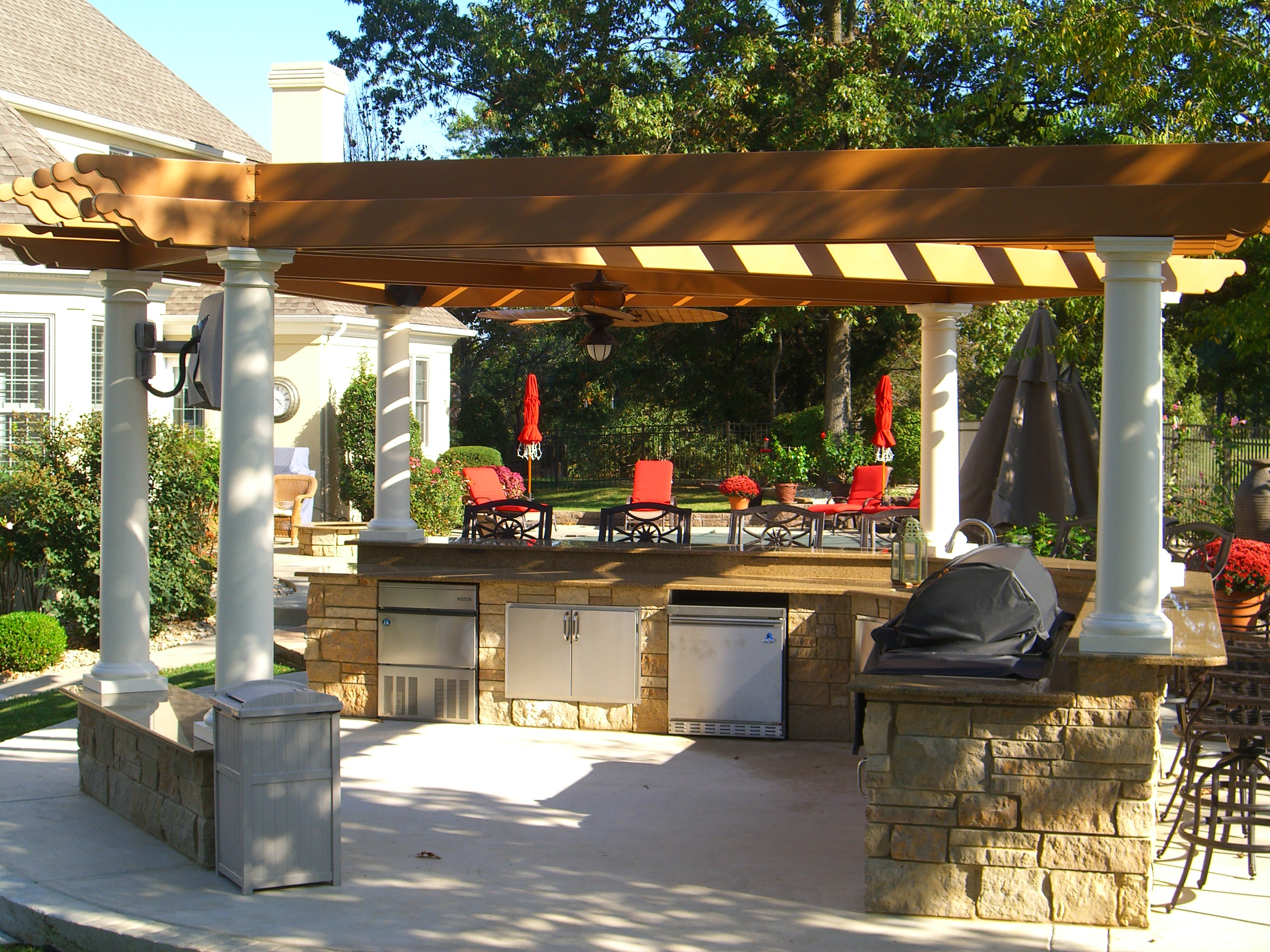 Image of: backyard pergola designs