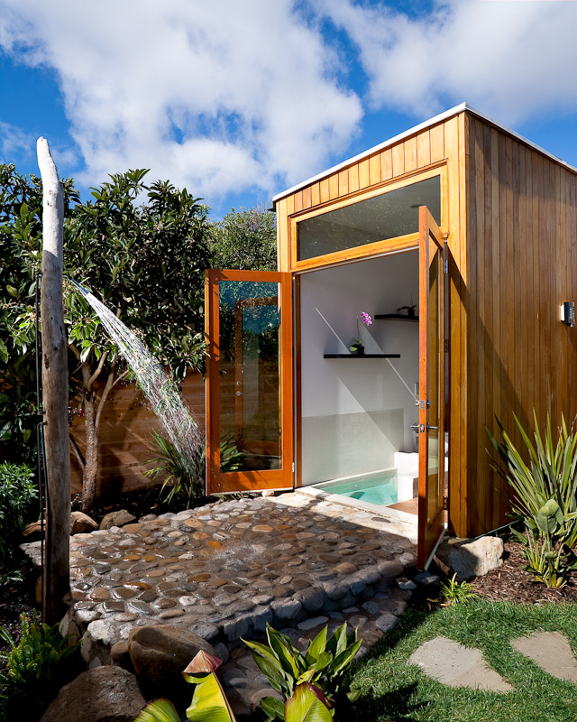 Image of: best outdoor shower design