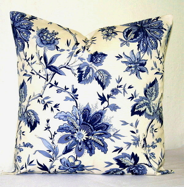 Image of: blue and white decorative pillows
