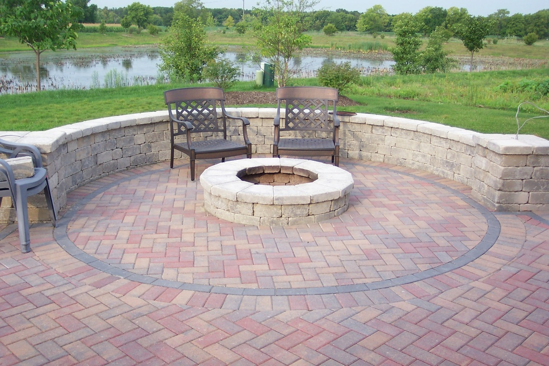 Image of: brick patio designs with fire pit