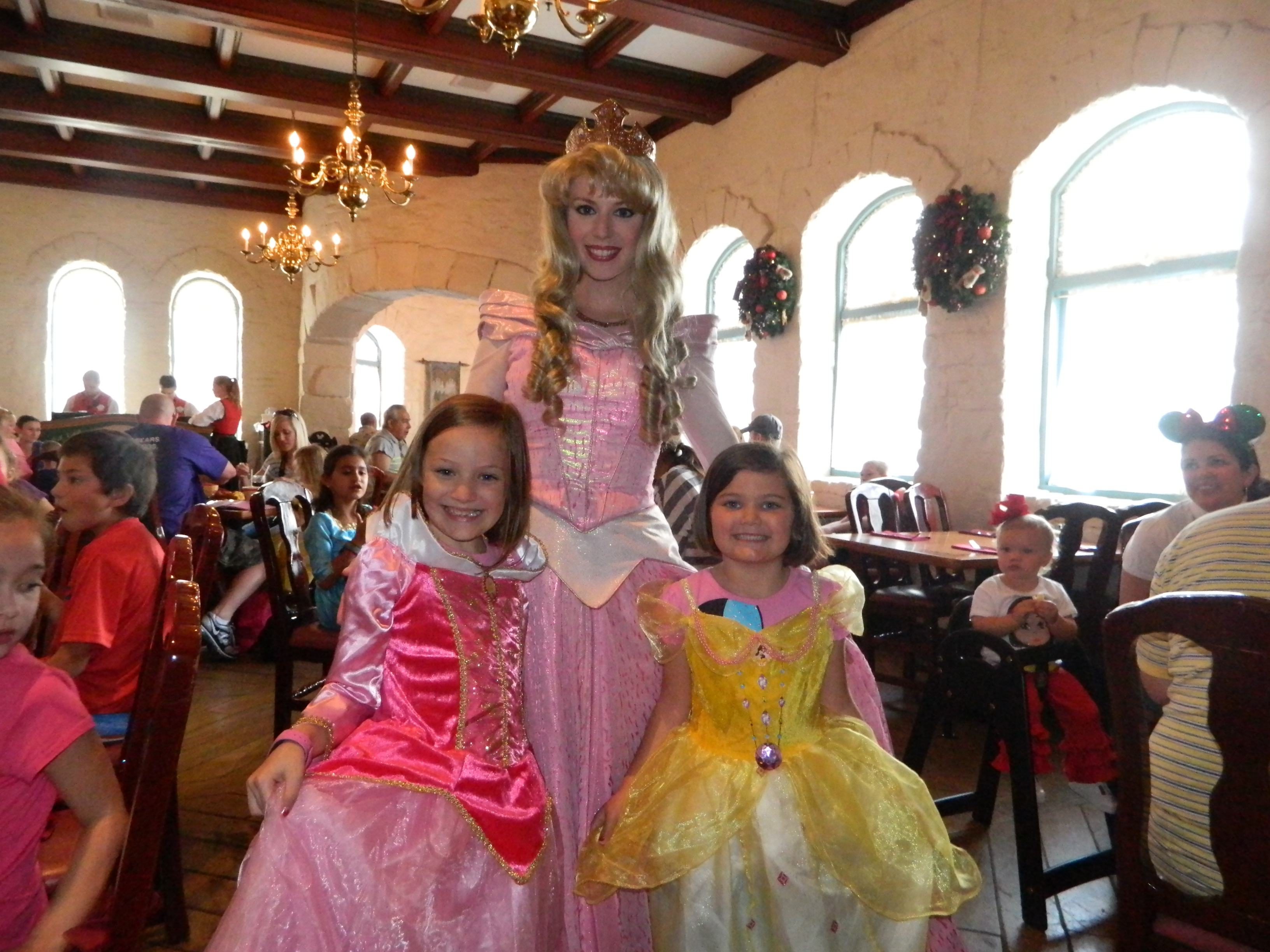 cinderella's royal table characters dinner