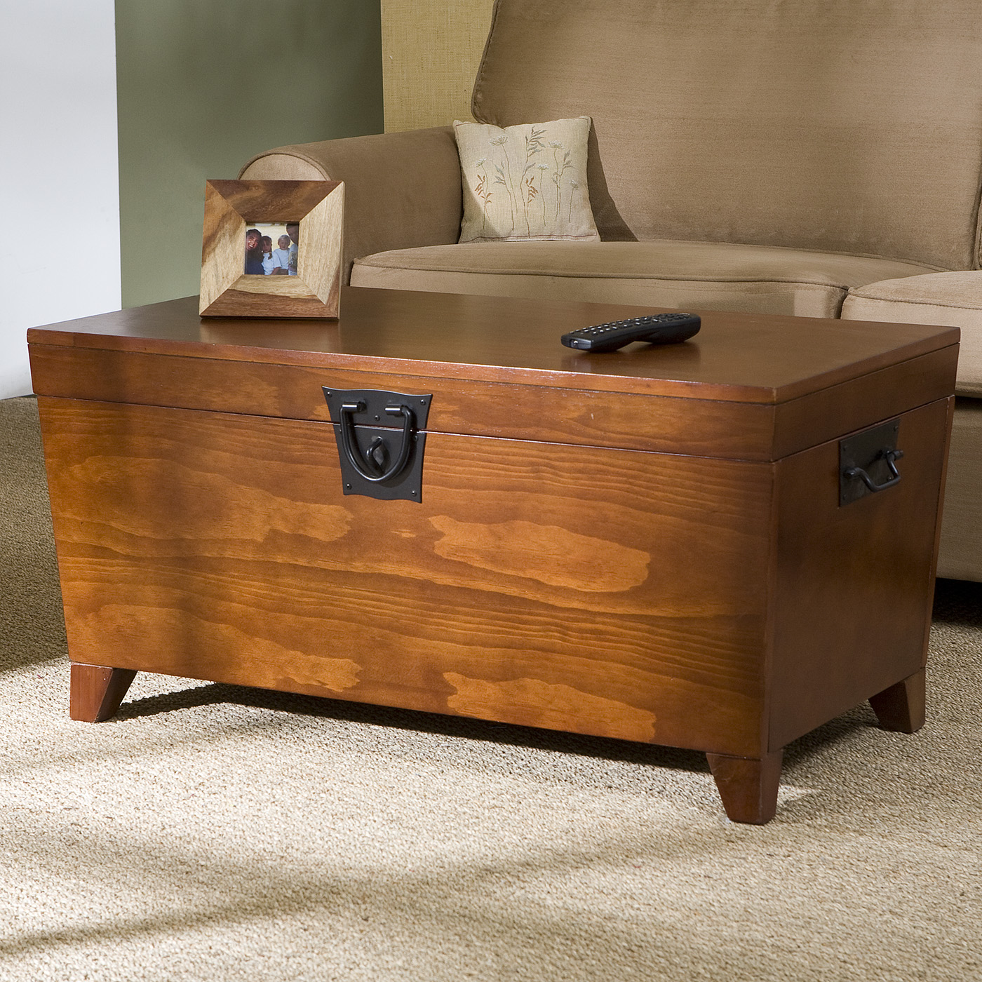Image of: cruise line trunk end table