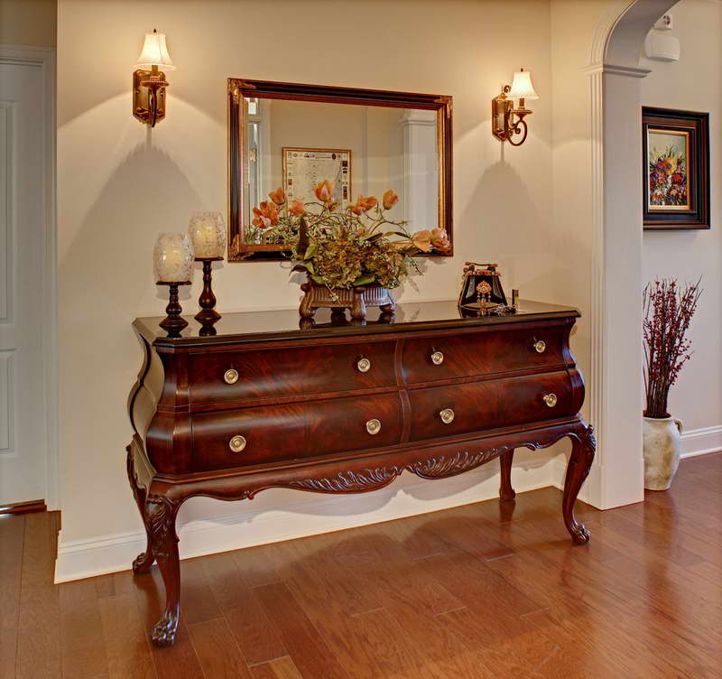 Image of: foyer table and mirror