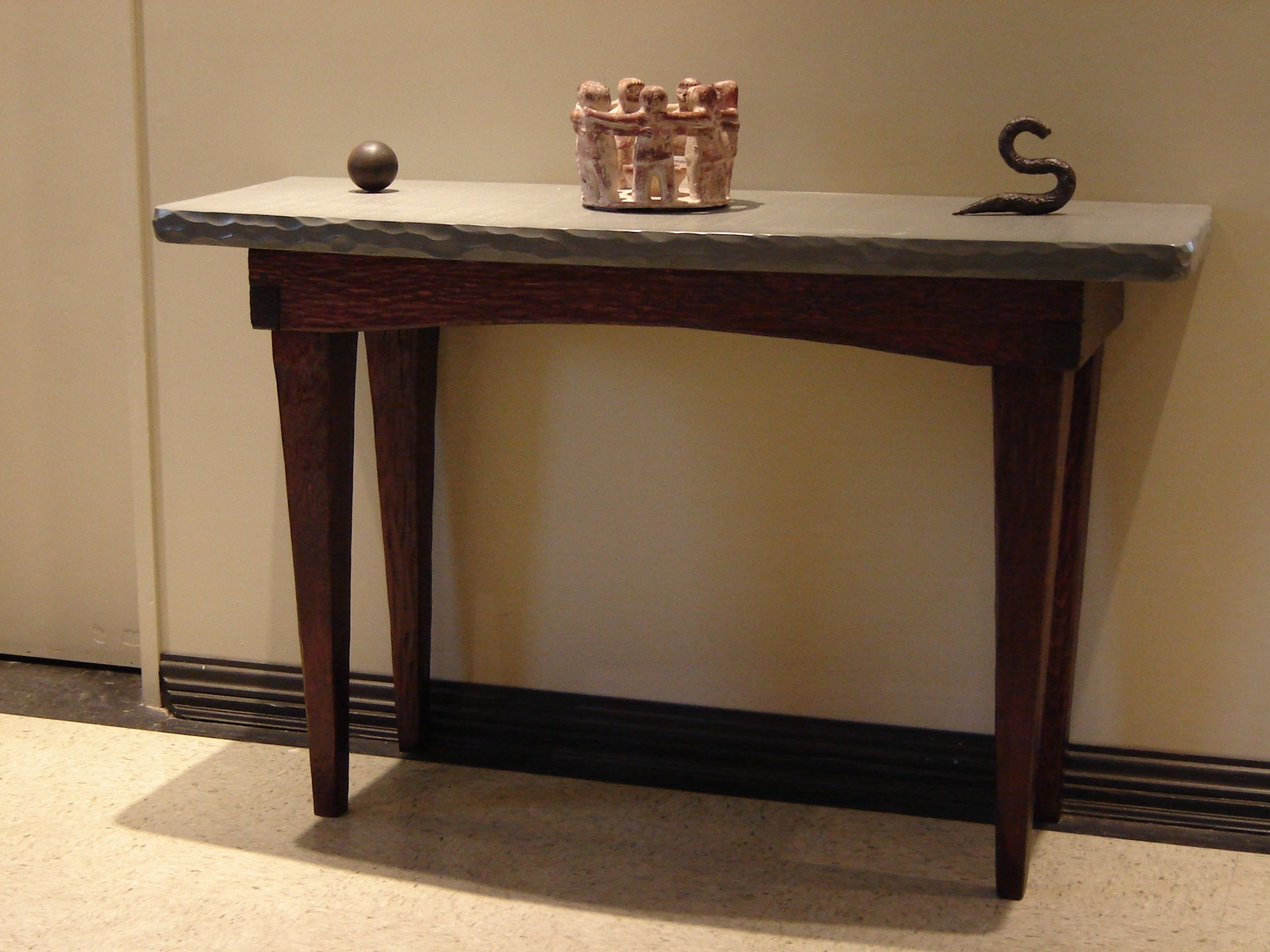Image of: foyer table ideas