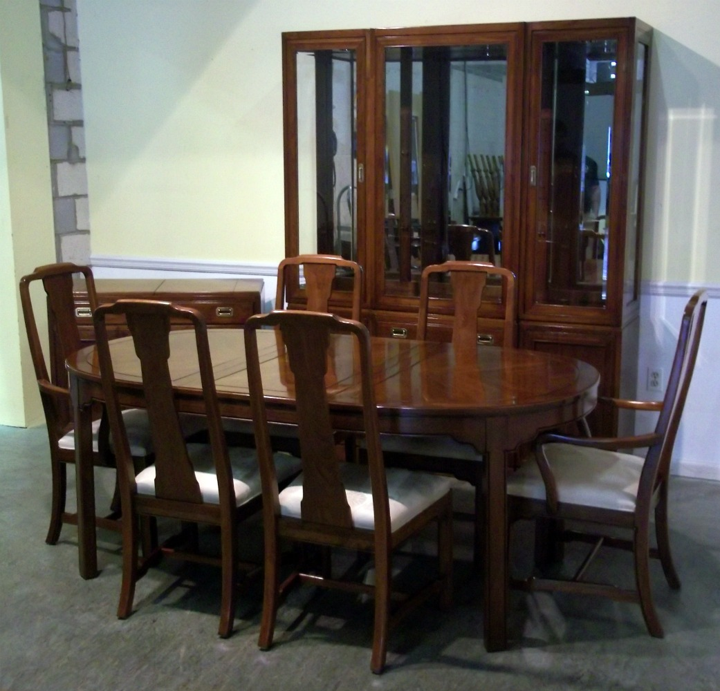 Image of: henredon dining room table and chairs