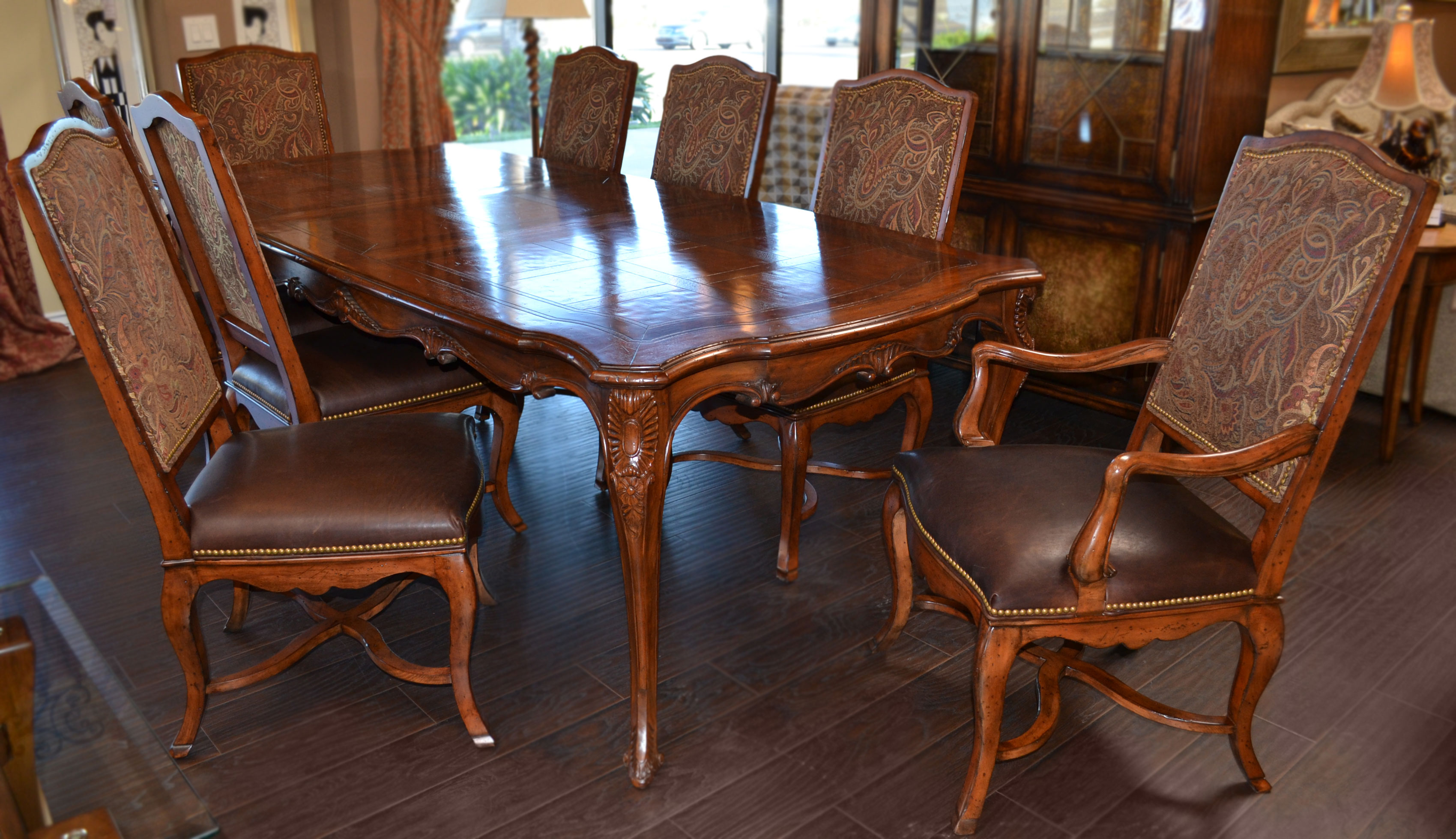 Image of: henredon french dining table