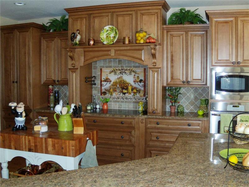 Image of: italian kitchens and tiles