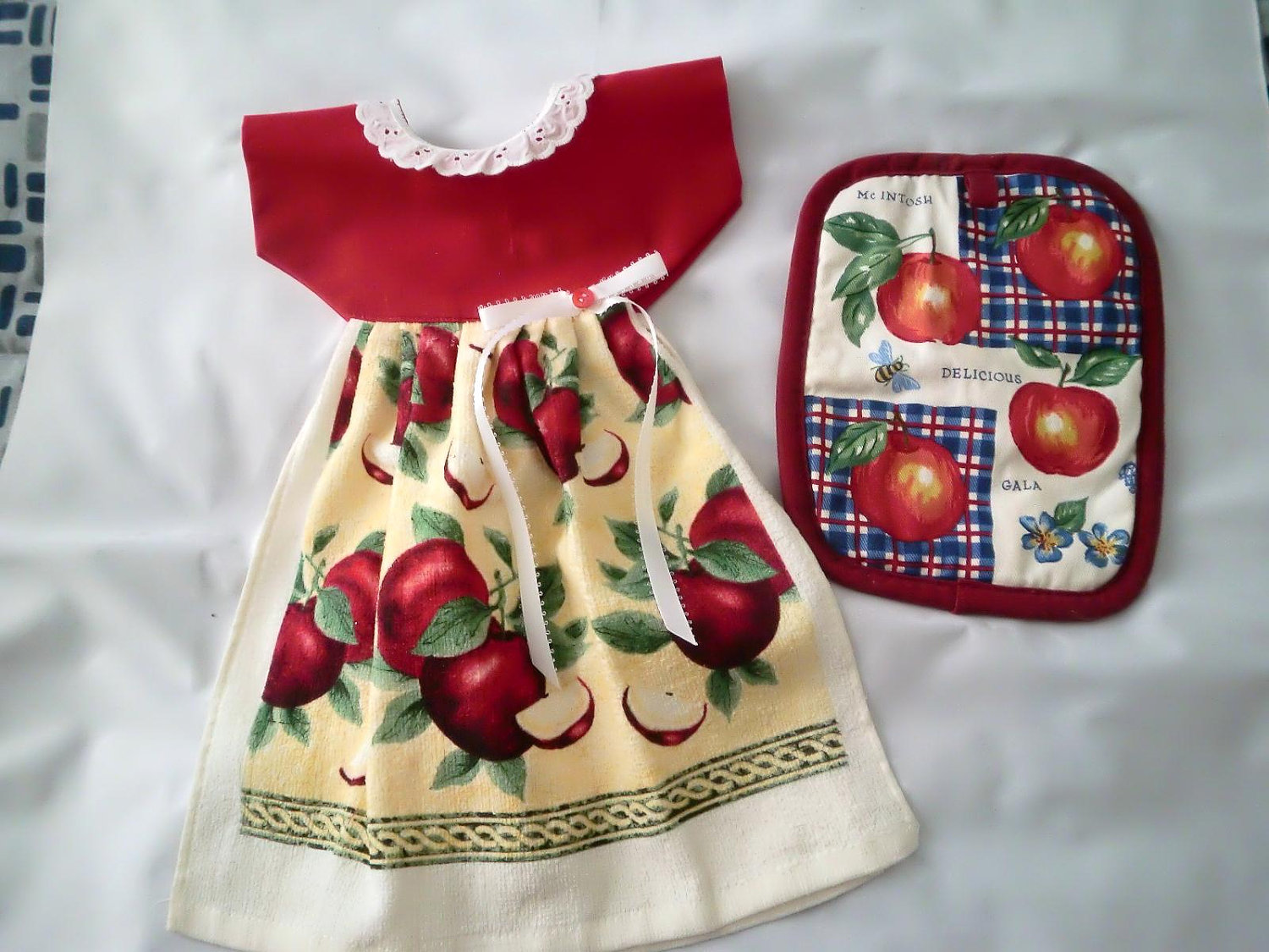 Image of: kitchen towels and potholders