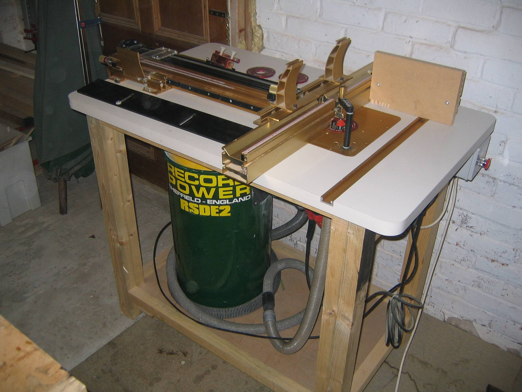 Image of: kreg router table base