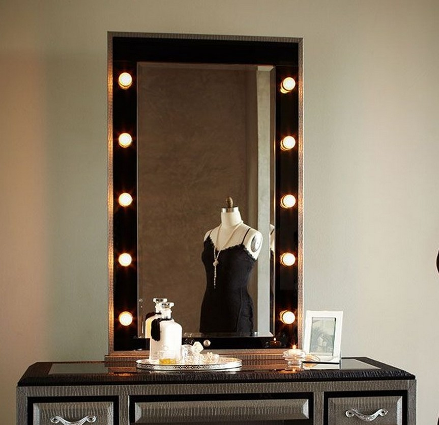 Image of: lighted vanity mirror table